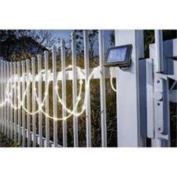 Solární světelná hadice s 50 LED - teplá bílá